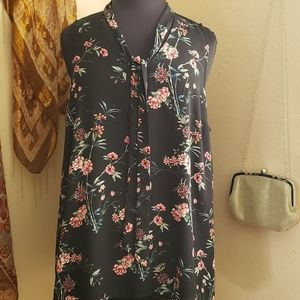Perfect Condition Torrid Floral Sleeveless Top